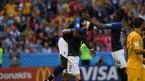 Nhờ công nghệ VAR, Pháp thắng may Úc