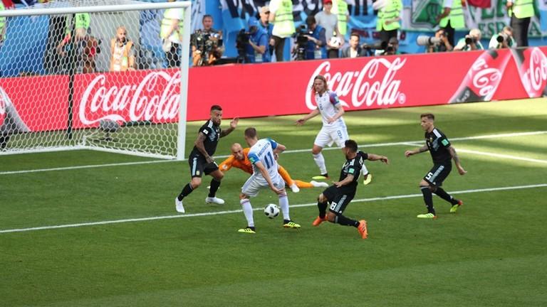 Kết quả Argentina 1-1 Iceland: Messi làm ĐT xứ Tango gặp khó