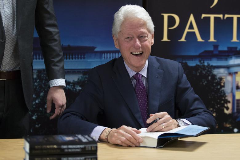 Tiểu thuyết li kỳ của cựu Tổng thống Mỹ Bill Clinton gây sốt