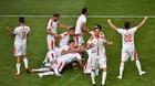 Kolarov sút phạt mẫu mực, Serbia thắng nghẹt thở Costa Rica