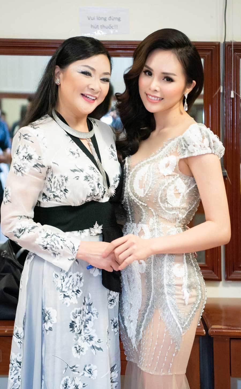Ngắm vẻ đẹp ngọt ngào của người đẹp bolero Lê Trinh