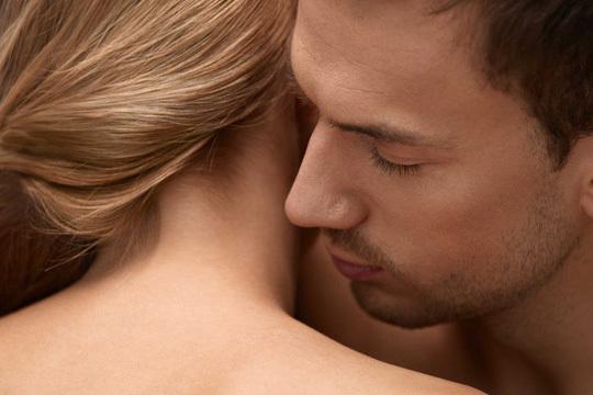 mùi cơ thể,mùi hương cơ thể,quan hệ tình dục,mùi mồ hôi,viêm phổi,bệnh tiểu đường,hôi miệng,viêm phế quản