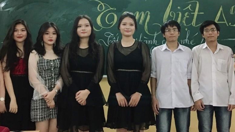 Chuyện lạ 1 lớp học có đến 3 cặp sinh đôi