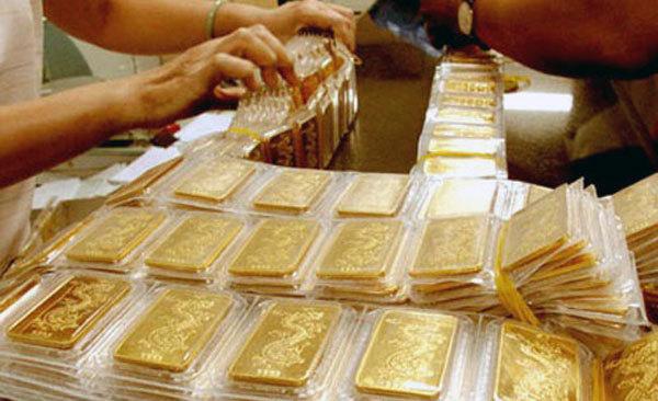 Giá vàng hôm nay 20/6: Đồng USD lên đỉnh, vàng tiếp tục lao dốc