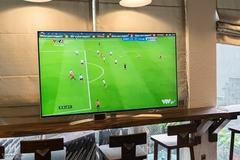 Mua tivi trả góp xem World Cup: Coi chừng dính hàng tồn kho giá chát