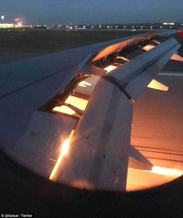 Máy bay chở đội bóng Ảrập Xêút dự World Cup bốc cháy