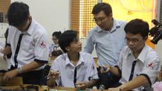 """Thầy giáo Sài Gòn dí dỏm dặn trò không """"mắm tôm, trà sữa..."""" trước kỳ thi"""