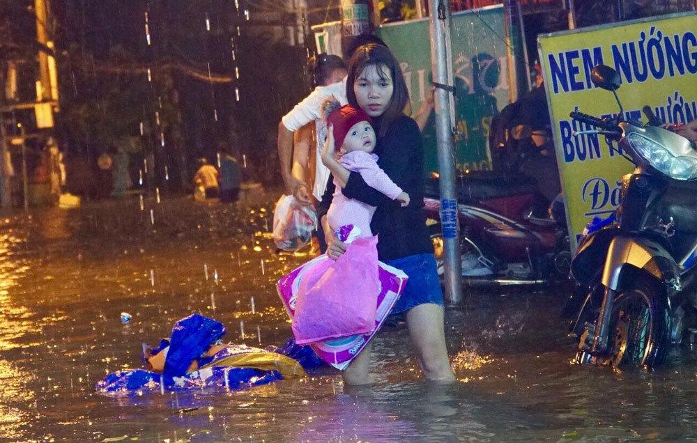 Đề xuất 'siêu máy bơm' chống ngập sân bay Tân Sơn Nhất