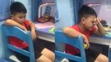 Cậu bé 8 tuổi khóc nức nở sau trận thua của Hàn Quốc vì lý do bất ngờ