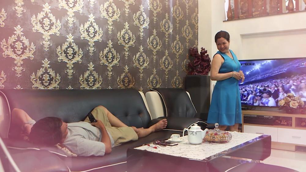 Siêu mẫu 9x vào vai người chồng trong mơ của quý bà 53 tuổi