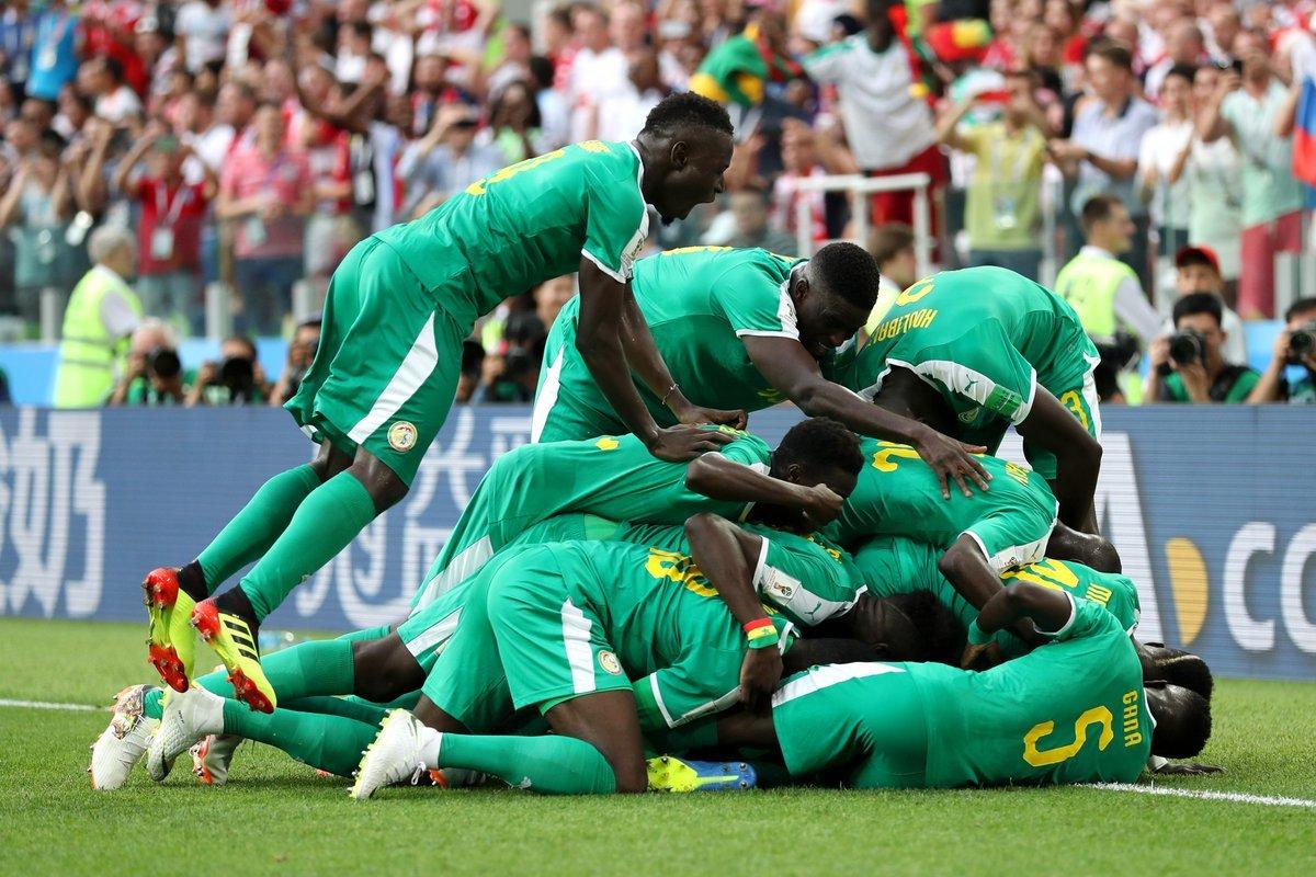 Trừng phạt sai lầm, Senegal hạ gục Ba Lan