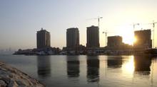 Ảrập Xêút chi 'núi tiền' đào kênh khổng lồ biến Qatar thành đảo