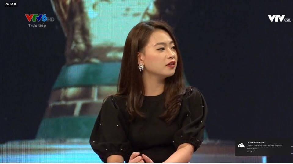 Nhan sắc hot girl bình luận bóng đá sắc sảo trên VTV