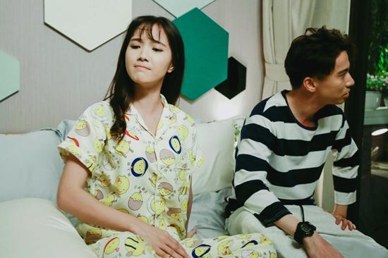 'Tìm vợ cho bà': Jang Mi hốt hoảng vì S.T xông vào phòng tắm
