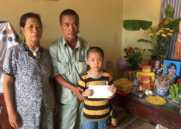 Tấm lòng bạn đọc gửi đến gia đình phóng viên Hải Đường