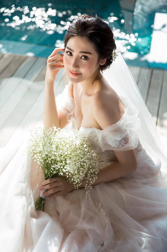 Ảnh cưới đẹp lung linh của Á hậu Tú Anh