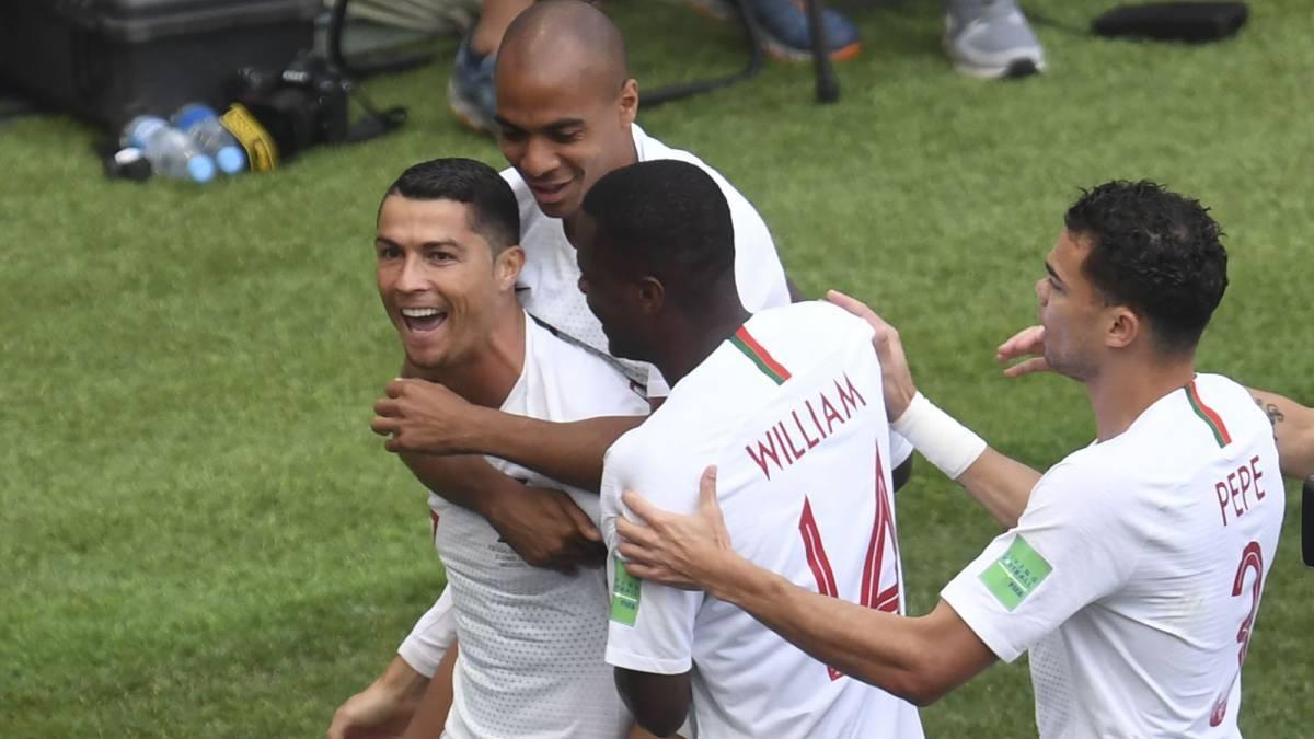 Ronaldo lập kỷ lục siêu hạng sau trận thắng Maroc