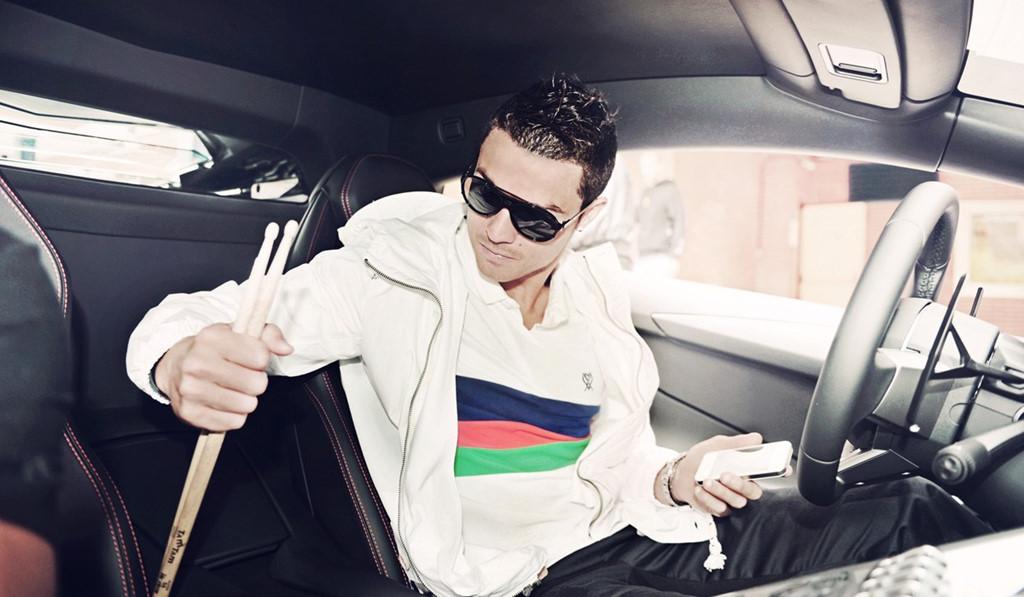 Cristiano Ronaldo di sieu xe