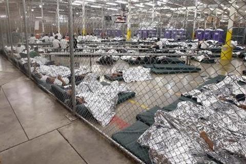 Mỹ chia tách con cái khỏi cha mẹ của các gia đình nhập cư