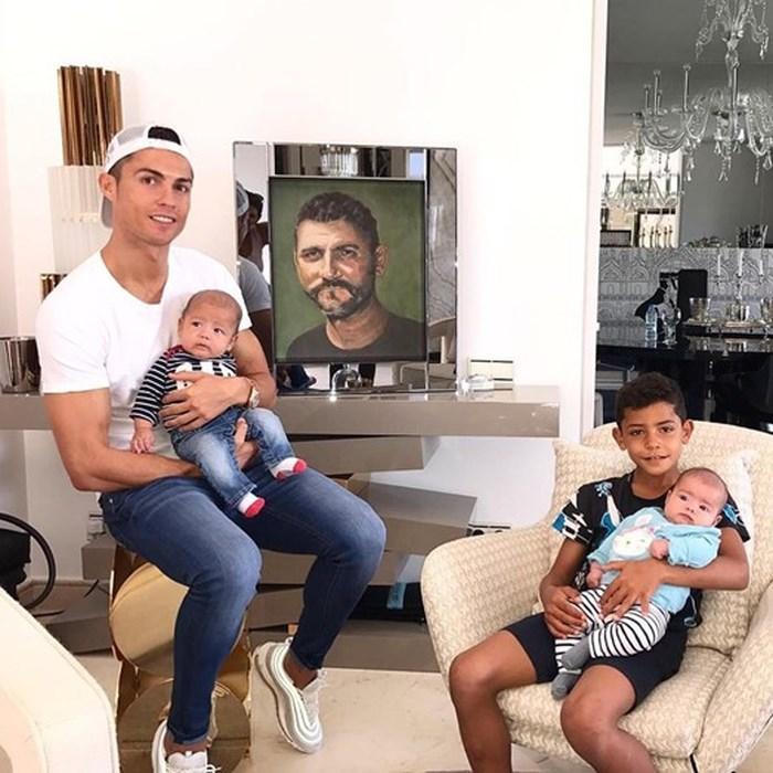 Cristiano Ronaldo va cac con