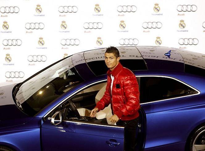 Choáng ngợp trước sự giàu có của Cristiano Ronaldo