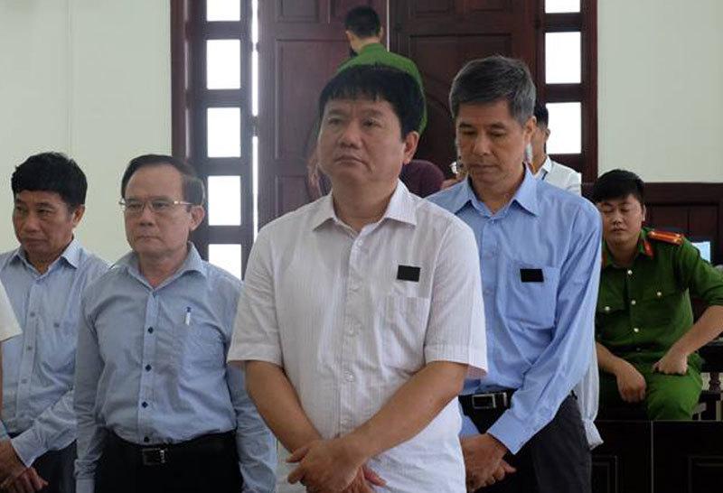 Ông Đinh La Thăng mất bình tĩnh khi trả lời thẩm vấn