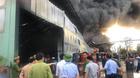 Cháy dữ dội kho chứa nhựa thông ở Quảng Ninh