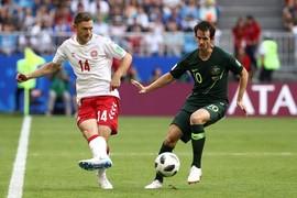 Đan Mạch 1-1 Úc: Jedinak gỡ hòa trên chấm 11m (hiệp 1)