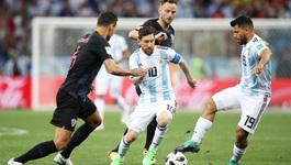 Người Croatia đã vô hiệu hóa Messi bằng cách nào?