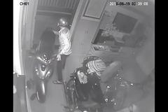 Xem World Cup quên khóa cửa, chủ nhà bị kẻ trộm khoắng sạch tài sản