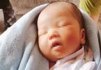 Bé gái 10 ngày tuổi nặng 4kg bị bỏ rơi giữa cầu