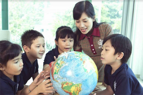 UK Academy: bước đệm tương lai với chương trình song ngữ