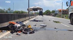 Váy chống nắng cuốn vào xe máy, 1 người chết thảm dưới gầm xe tải