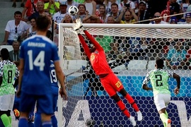 Nigeria 0-0 Iceland: Ăn miếng trả miếng (H1)