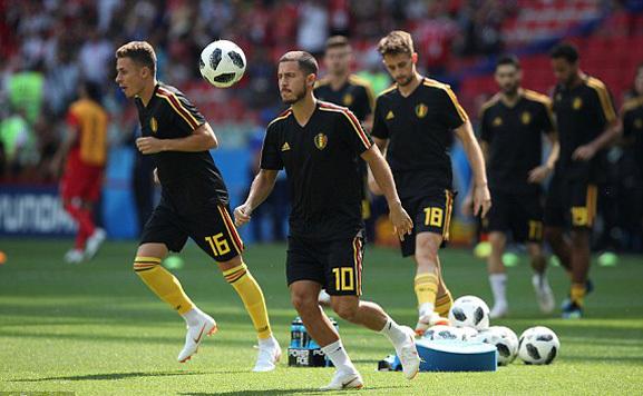 Lukaku và Hazard xuống sân khởi động