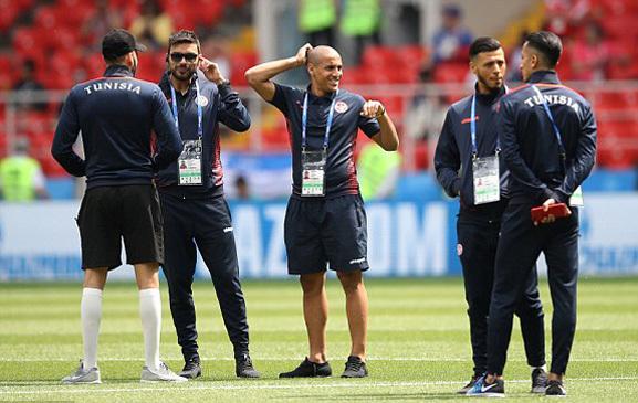 Các cầu thủBỉ vs Tunisia xuống sân trước trận