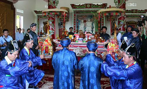 Thiêng liêng Lễ giỗ Tổ nghề Yến sào ở Khánh Hòa