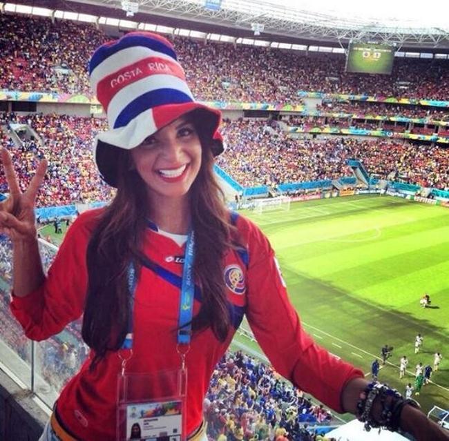 4 nữ phóng viên thể thao bốc lửa 'hâm nóng' mùa World Cup
