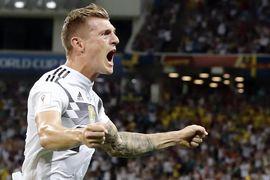 Toni Kroos chua cay sau khi giúp Đức thắng Thụy Điển