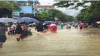 Mưa lớn xối xả, TP Hà Giang ngập như sông