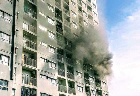 Cháy tầng 6 chung cư, hàng trămngườichạy tán loạn ở Sài Gòn