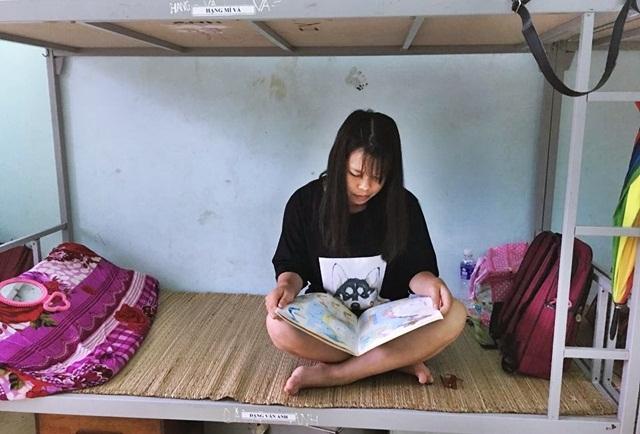 Thí sinh ở Hà Giang băng rừng, dùng bè mảng đến điểm thi