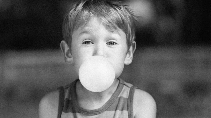 Hàng chục người thiệt mạng vì giành... kẹo cao su