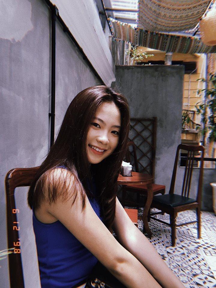 Nhan sắc hot girl bình luận trận Nhật Bản và Senegal