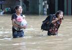 Lũ bùn tấn công, hàng ngàn học sinh Nghệ An chưa thể đến trường - ảnh 9