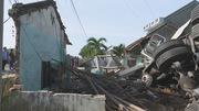 Xe container đâm sập nhà, vợ chồng thai phụ đang ngủ bị trọng thương