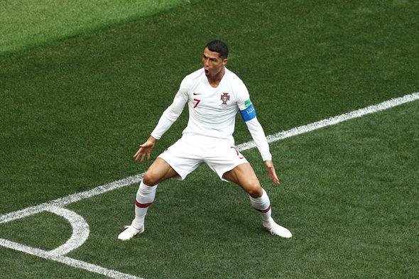 Bồ Đào Nha vs Iran: Ronaldo bị fan Iran 'khủng bố' trước trận