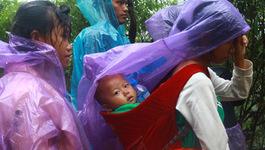 Sạt lở, tắc đường Lai Châu: Nhiều người bị kẹt, nhịn đói cả ngày
