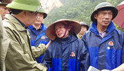 Phó Thủ tướng Trịnh Đình Dũng vào vùng rốn lũ Lai Châu