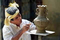 Xây dựng hồ sơ nghệ thuật làm gốm của người Chăm trình UNESCO